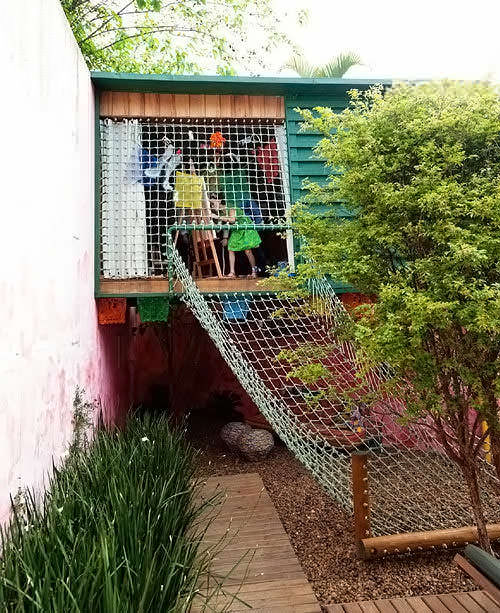 cool backyard playhouse / treehouse
