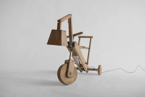 Manoteca Woodstock Tricycle Lamp