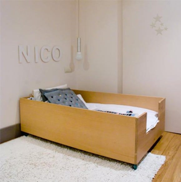 A simple & perfect bed for a kid's room
