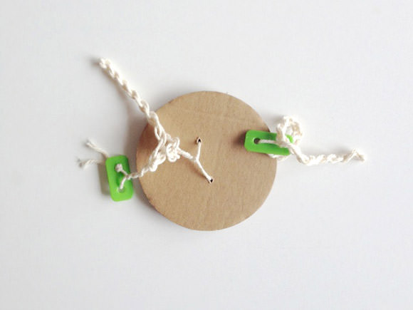 DIY Cardboard Twirly Whirly Toy for Kids