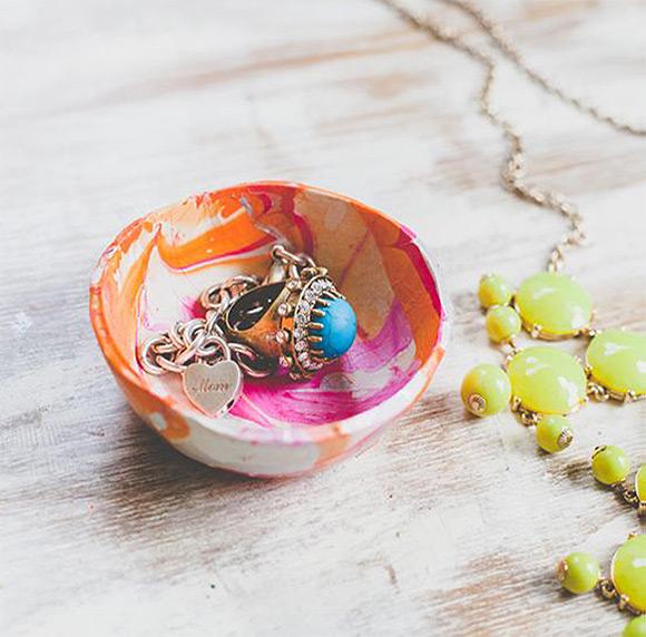 DIY Marbled Mini Clay Bowls via Paper & Stitch
