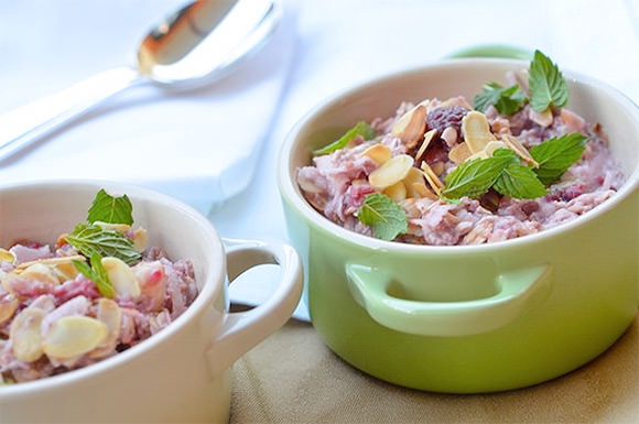 Recipe: Almond & Raspberry No-Cook Oatmeal