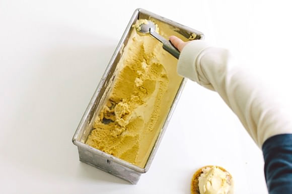 Recipe: Pumpkin Ice Cream Sandwiches