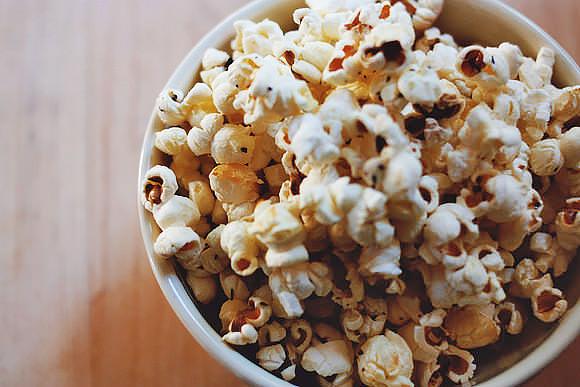 Recipe: Buttery Herb Popcorn