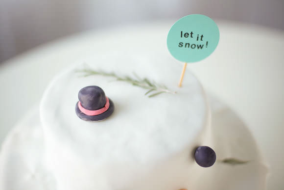 hilarious easy-to-make melted snowman cake!