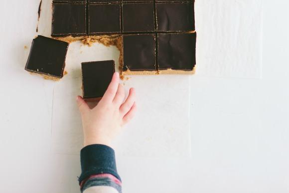 No-Bake Chocolate Peanut Butter Bars
