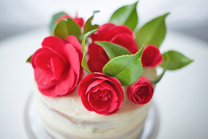 DIY Easter Rose Cake