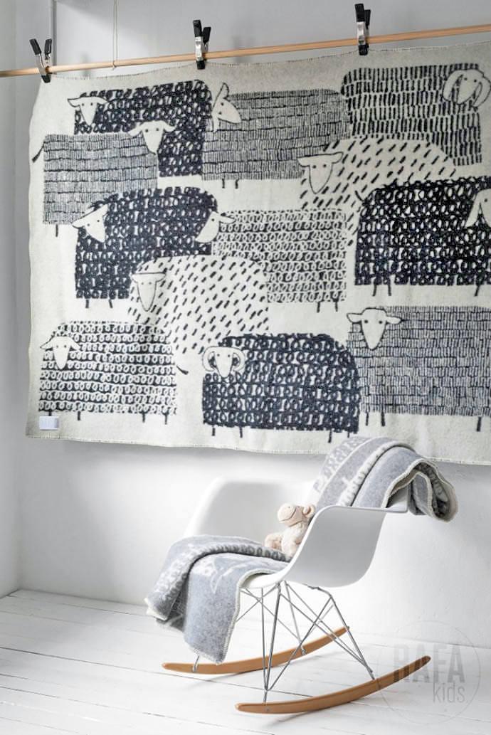 Finnish wool blankets by Masaru Suzuki