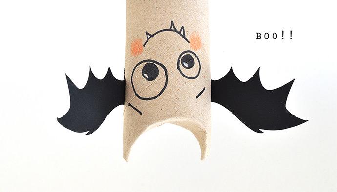 DIY Halloween Paper Roll Bats (via Mollymoo)