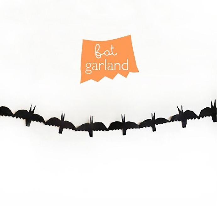 DIY Bat Garland (via Willowday)