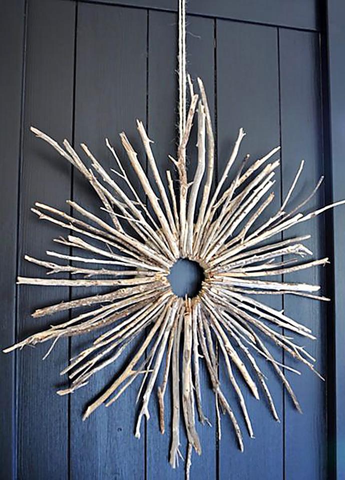 DIY Starburst Twig Wreath via The Painted Hive