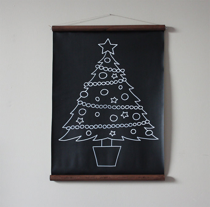 A chalkboard tree kids will love to decorate time and time again