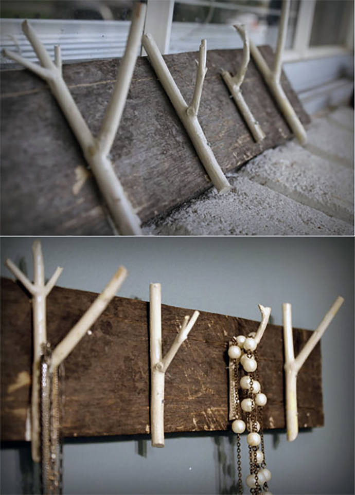 DIY Household Hooks from Twigs via Homedit