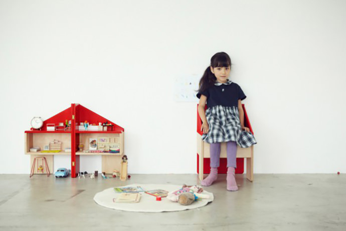 Two-in-One Dollhouse Chair Design