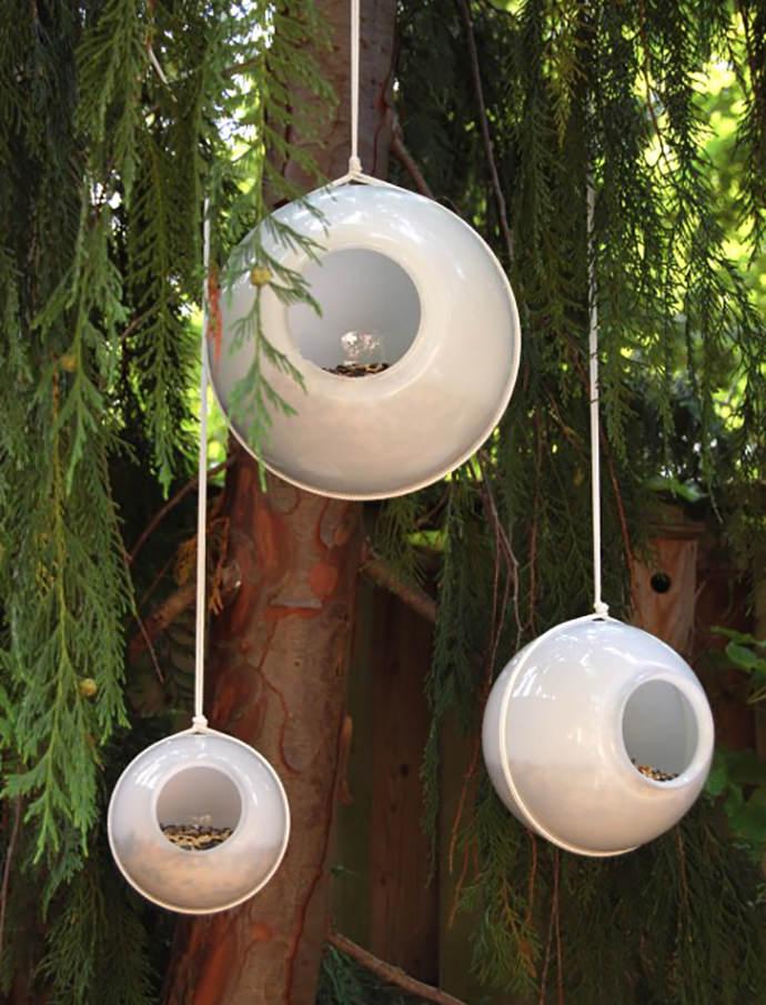 DIY Outdoor Orb Bird Feeders