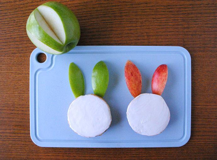 Easy Breakfast Bunny Bagels Step 2