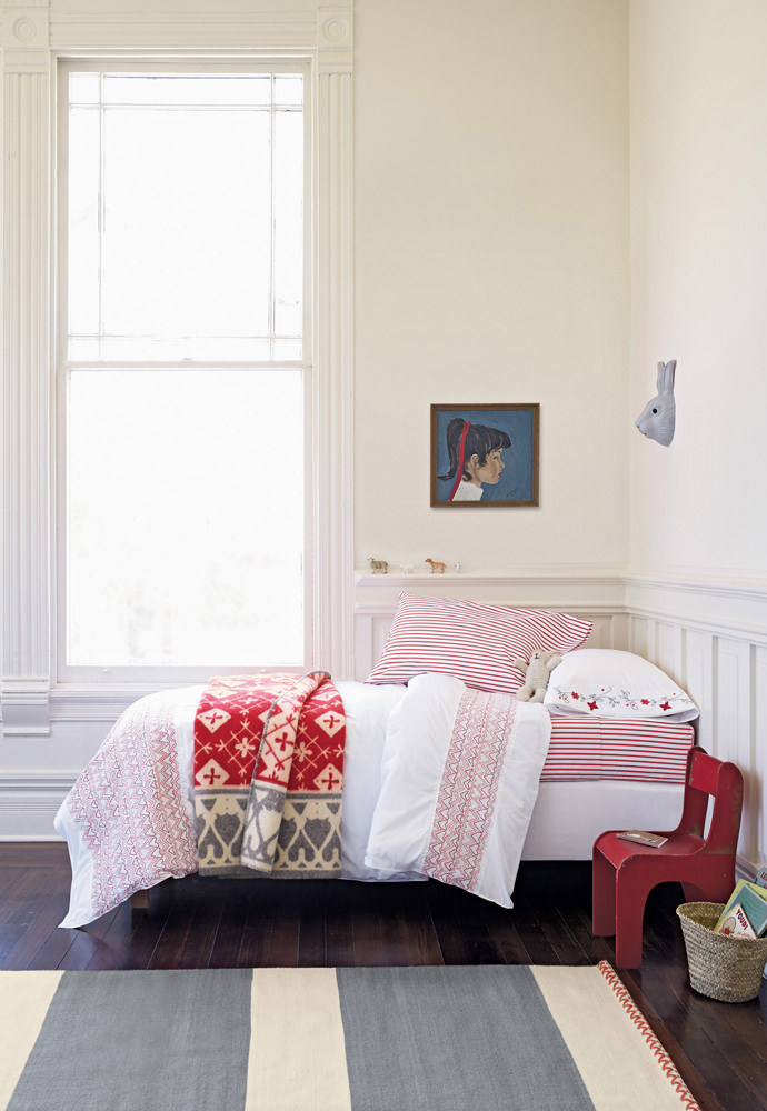 Smocked Bed Quilt from Hanna Home