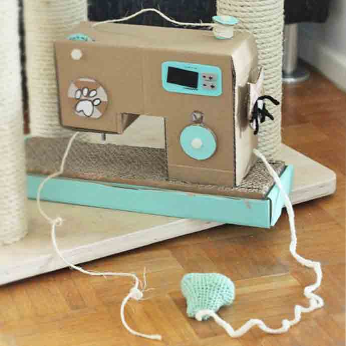 DIY Cat Cardboard Sewing Machine