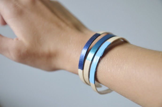 DIY Popsicle Stick Bracelets via Mangelmoes