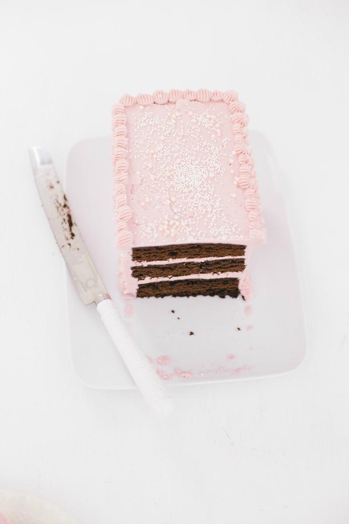 Rectangle Cake with Vanilla Buttercream Recipe