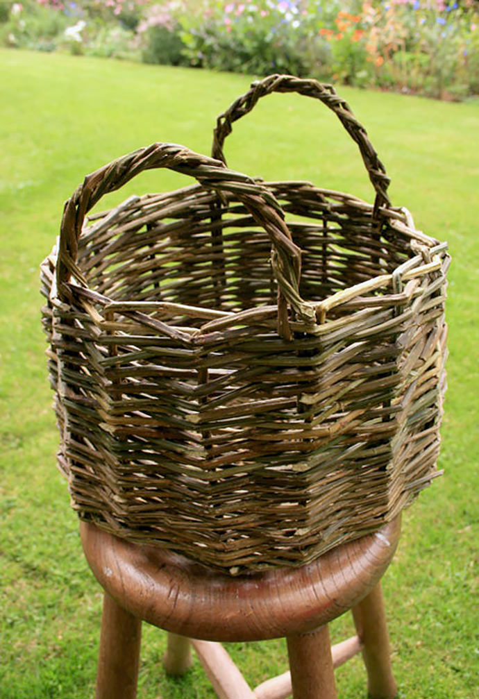 DIY Wicker Basket, tutorial via Jon's Bushcraft
