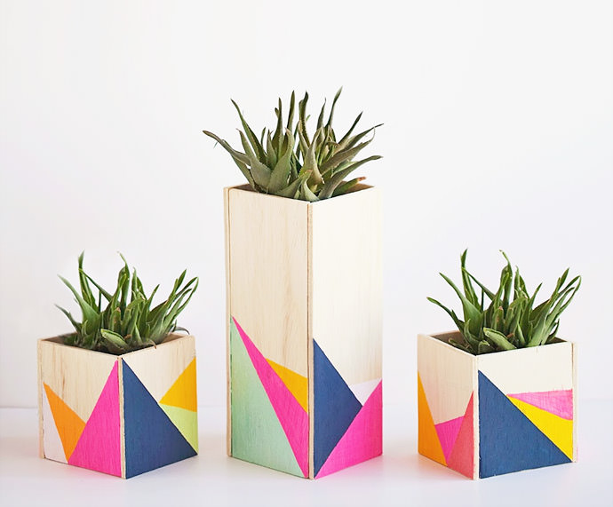 DIY Wood Centerpiece, tutorial via Tell Love and Party