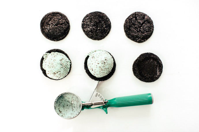 Recipe for Chocolate Mint Ice Cream Sandwiches