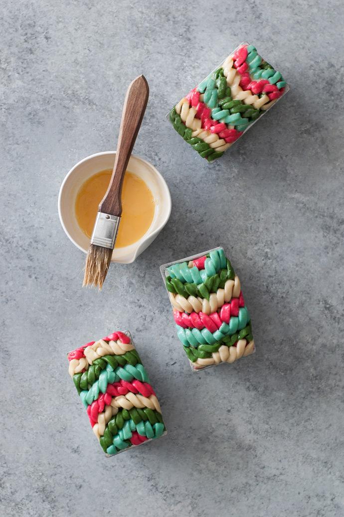 Chevron Friendship Bracelet Pie Crust