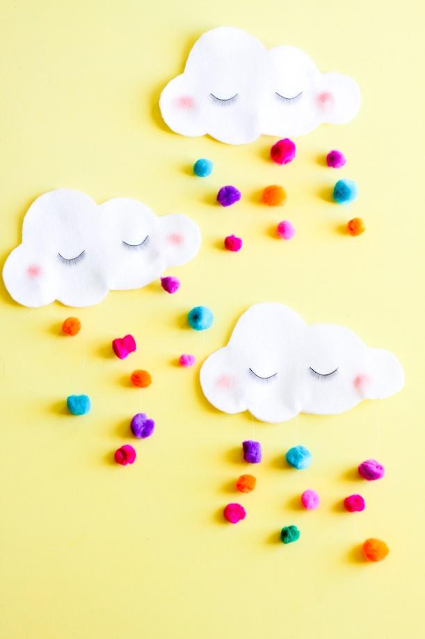 DIY St. Patrick's Day No-Sew Cloud Utensil Pockets