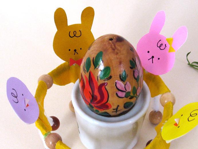 DIY Easter Dancers