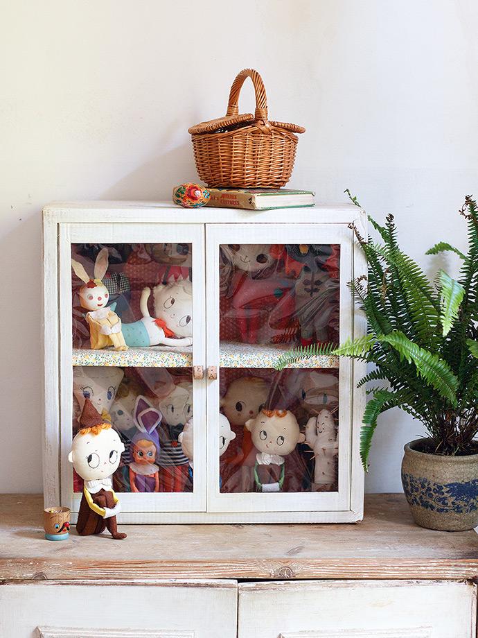 DIY Cardboard Display Cabinet