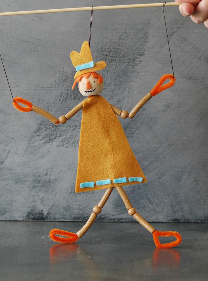 Scarecrow Pasta Puppet