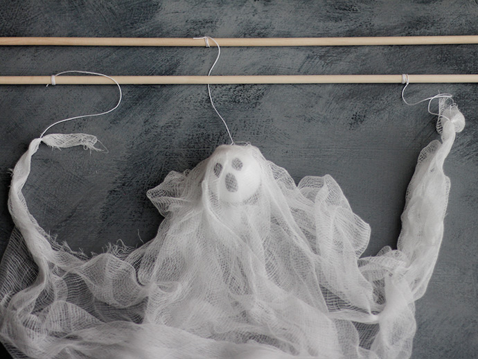 DIY Ghost Puppet