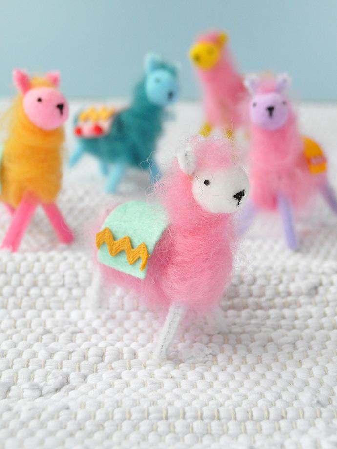 Pipe Cleaner & Wool Llamas