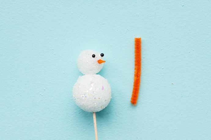 DIY Snowman Cupcake Toppers