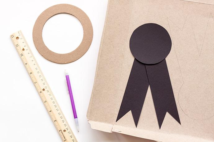 DIY Prize Ribbon Piñata