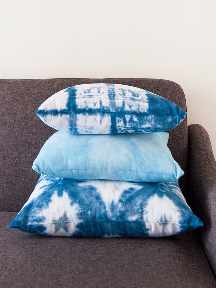 How to Make Shibori Pillows for the Holidays