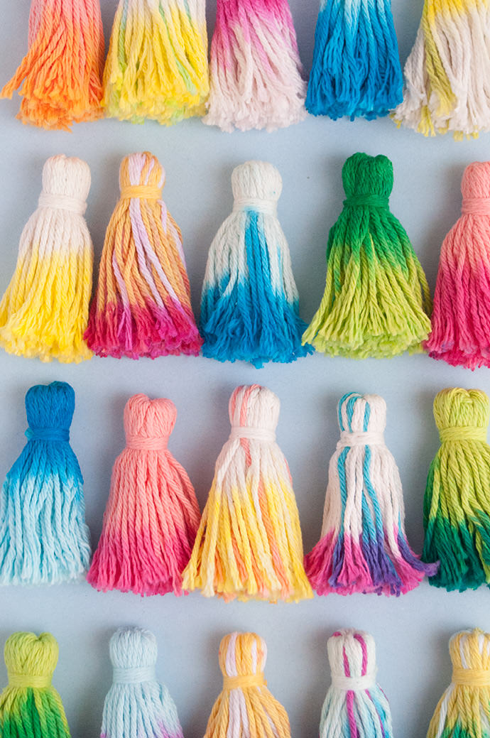 2-Minute Dye Tassel Baskets