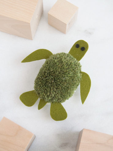Turtle Pom Pom