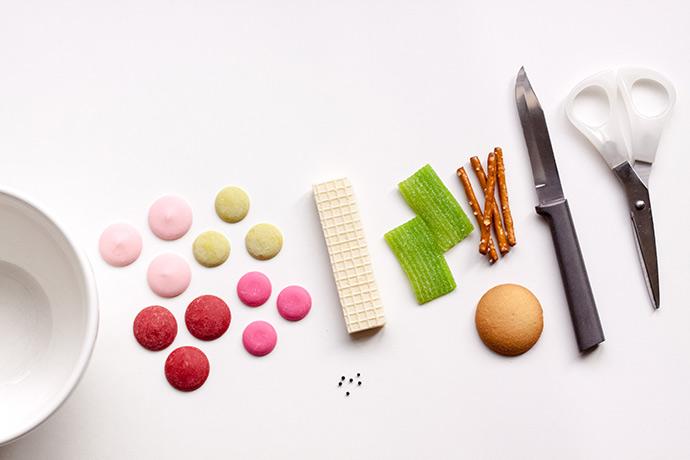 No-Bake Apple Core Cookie Treats