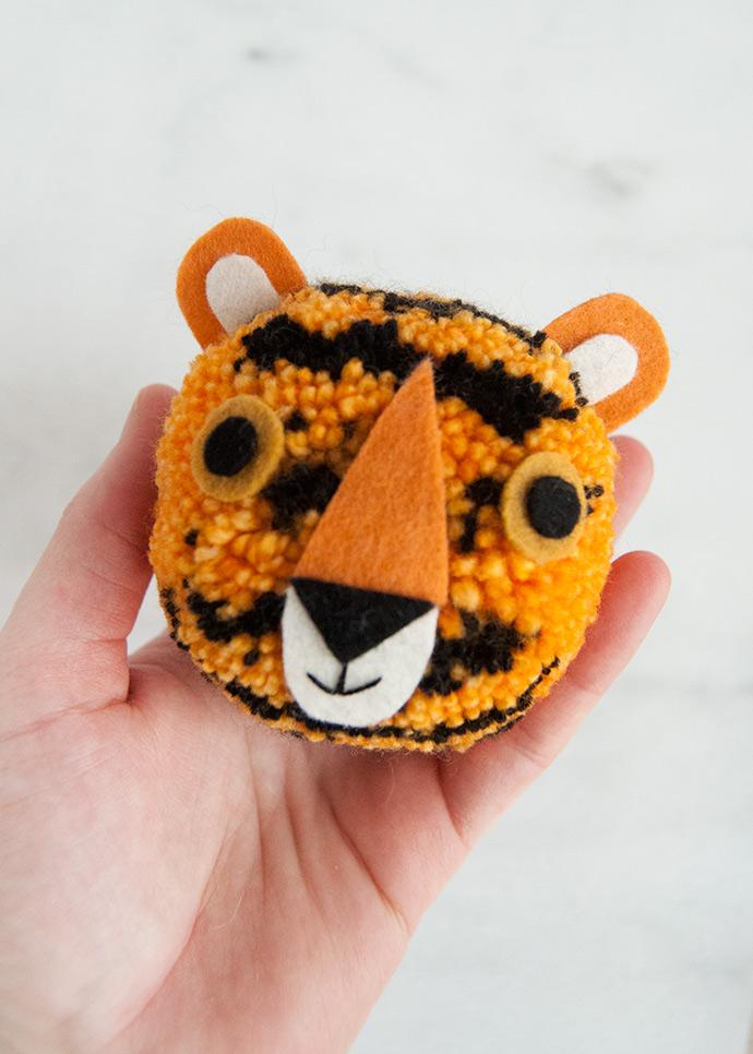 How to Make a Tiger Pom Pom
