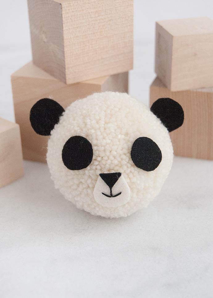 Giant Panda Pom Pom