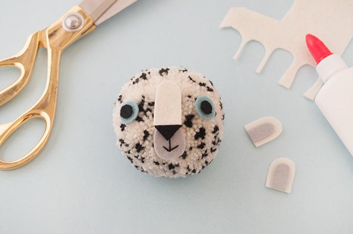 Snow Leopard Pom Pom