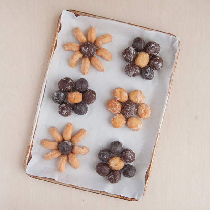 Easy Donut Hole Flowers