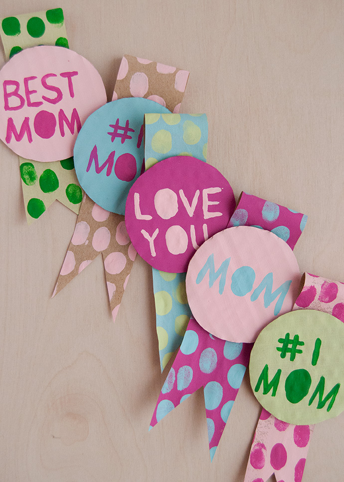 Fingerprint Art Mother's Day Badges